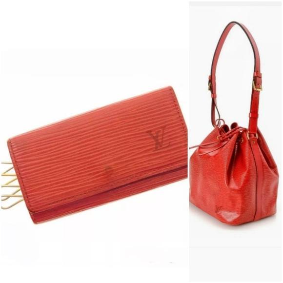 Louis Vuitton Handbags - 💞💞💞LOUIS VUITTON EPI NOE💞WALLET💞💞